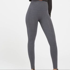New Spanx Look at Me Now Seamless Charcoal gray Leggings XL